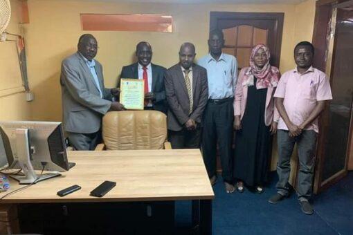 والي وسط دارفور يلتقي عددا من منظمات المجتمع المدني بالخرطوم