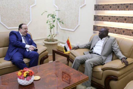 تاور يلتقي السفير المصري لدى السودان