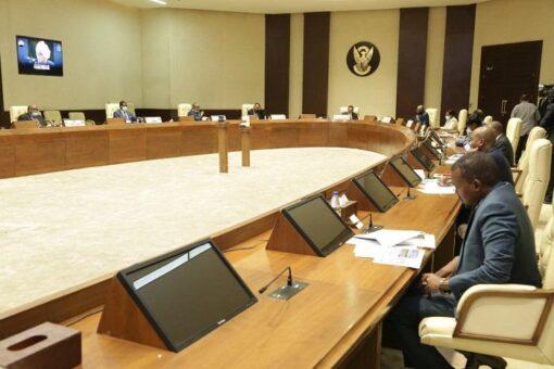 مجلس الوزراء يتلقى افادة حول التدخلات العاجلة للاقتصاد والسلام والامن