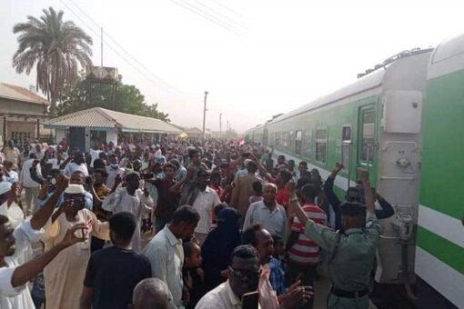 حمدوك يثمن جهود سكك حديدالسودان في تسيير اول قطار لبوتسودان
