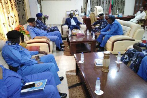 والي النيل الأزرق المكلف يستقبل وفد شرطة تأمين المرافق الإتحادي