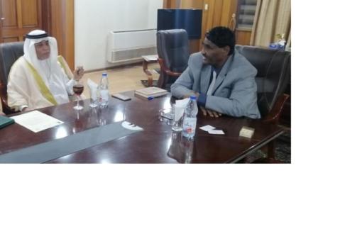 وزير الصناعة يبحث مع السفير السعودي التعاون الاقتصادي بين البلدين