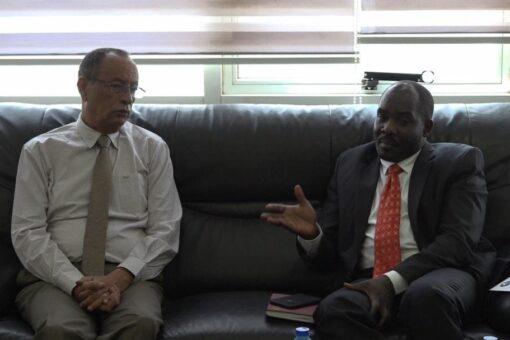 والي وسط دارفور يؤكد لمدير(سونا) أهمية الإعلام في الانصهار المجتمعي