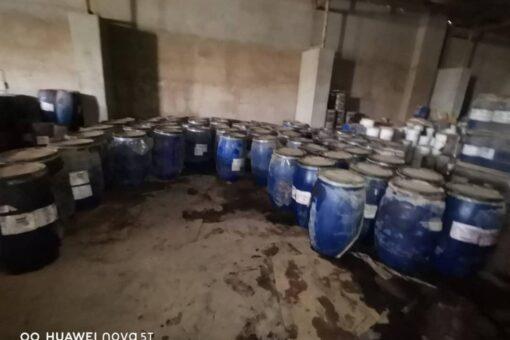 مجلس البيئة بالخرطوم يضبط ٣٠٠ برميل من المواد الكيميائية المنتهيةالصلاحية