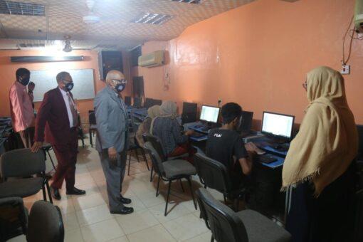 جامعة السودان:جولة تفقدية لمتابعة تسجيل الطلاب الجدد