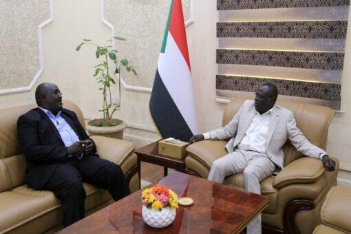 تاور يطلع على الأوضاع الانسانية والامنية بولاية غرب دارفور