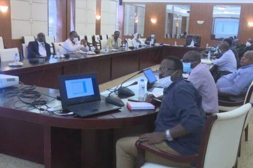 اللجنة العليا للطوارئ الصحية تستمع لتقرير الوضع الوبائي بالبحر الأحمر
