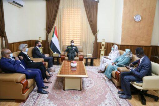 كباشي يلتقي رئيس بعثة الاتحاد الاوربي بالخرطوم