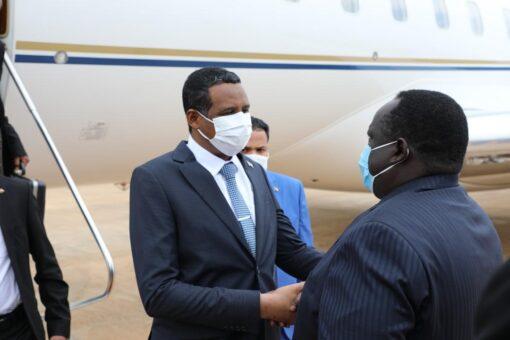 النائب الأول لرئيس مجلس السيادة يصل جوبا