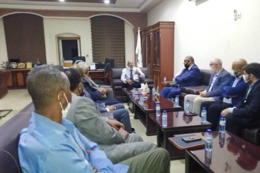 وزير الصحة يستقبل وفد شركة سدرا شادو القطرية الدوائية