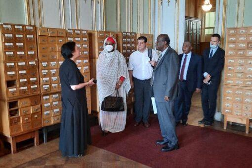 وزيرة الخارجية تزور مركز دراسة الحضارات السودانية القديمة بالجامعة الروسية