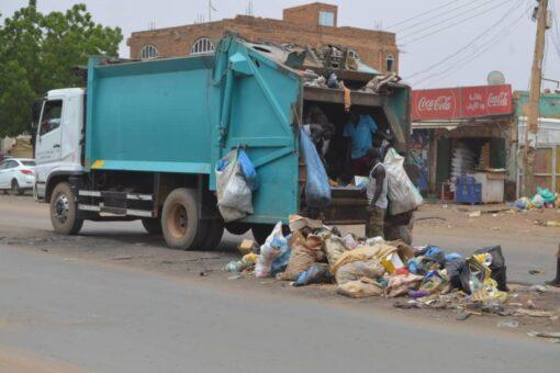 حملة كبرى للنظافة بشارع الاربعين والموردة بامدرمان