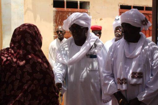 والي غرب دارفور يشهد برنامج ديوان الزكاة لدعم أسر الشهداء