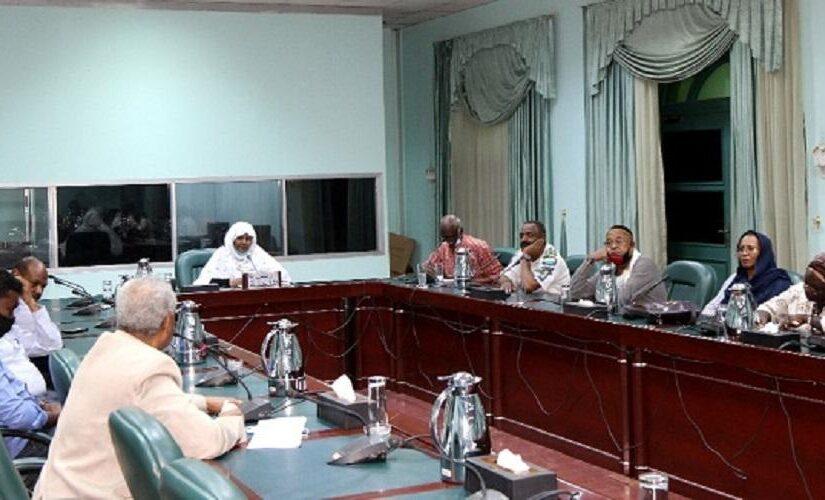 لجنة تأبين الشاعر الراحل محمد طه القدال تعقد إجتماعها الأول