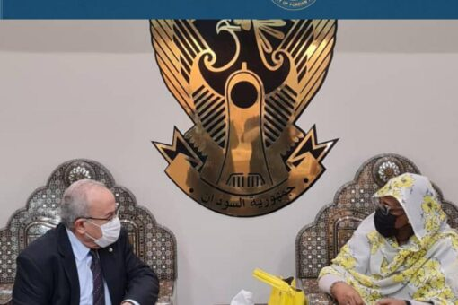 وزير الخارجية الجزائري يصل إلى الخرطوم في زيارة رسمية