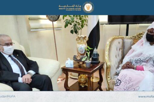 وزيرة الخارجية تبحث مع نظيرها الجزائري تطورات سد النهضة