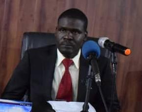 وزير العدل يلتقي اللجان القانونية للحرية والتغيير والمحامين وشركاء السلام