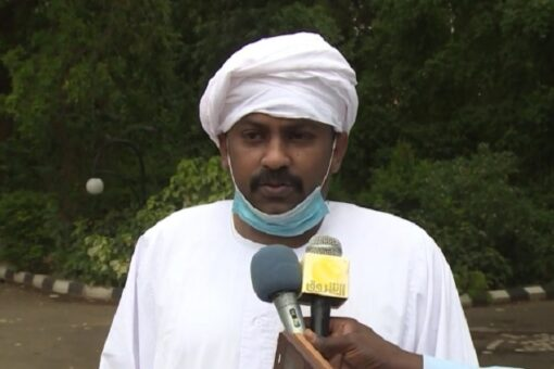 عضو السيادي يتسلم مذكرة تجمع 28 رمضان ويعد بتنفيذها