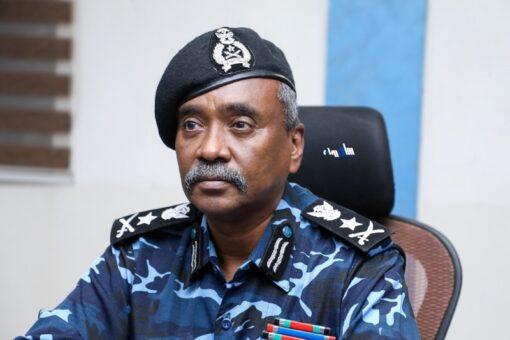 وزير الداخلية يلتقى حاكم إقليم النيل الأزرق