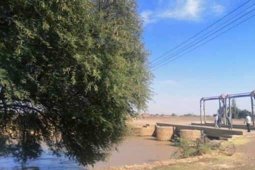 وزيرا الزراعة والري يتفقدان مشروع الرهد والمناطق المتضررة بالسيول