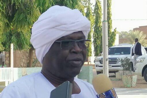 تاور يؤدي واجب العزاء في الراحل الشيخ أبو عزة