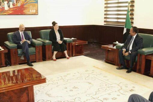 حمدوك يُثمن دور فرنسا لدعم السودان للعبور نحو السلام والاستقرار