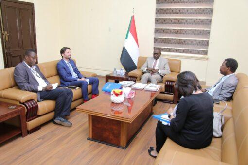 بحث سبل التعاون بين السودان ومنظمة الهجرة الدولية
