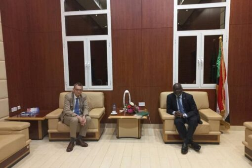 وزير المالية:حريصون على التعاون المشترك مع بعثة يونيتامس في السودان