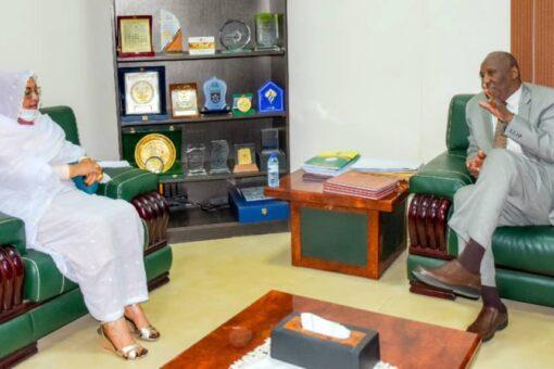 النائب العام المكلف يلتقى مدير معهد العلوم القضائية والقانونية
