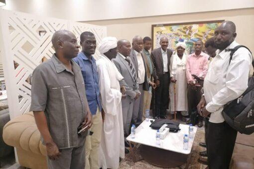 هيئة محامي دارفور تكرم الدومة ومدير راديو دبنقا ومنظمة افريقيا