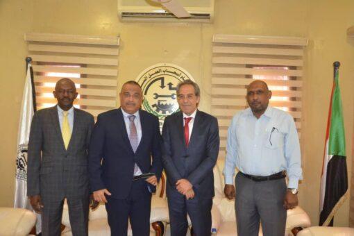 هاشم مطر يبحث سبل تطوير علاقات التعاون بين السودان وتونس