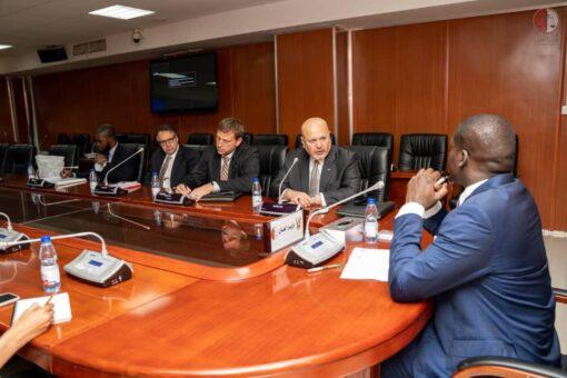 وزير العدل يجتمع مع المدعي العام للمحكمة الجنائية الدولية