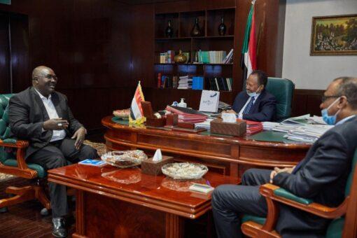 حمدوك يؤكد على ضرورة بسط الأمن والاستقرار بولاية غرب دارفور