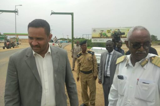 والي النيل الأبيض يؤكد الاهتمام ببرامج اصحاح البيئة