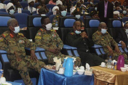 البرهان: القوات المسلحة حامية للشعب ومصالحه