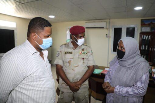 الصحة بالبحر الأحمر تتسلم معينات طبية من قوات الدعم السريع
