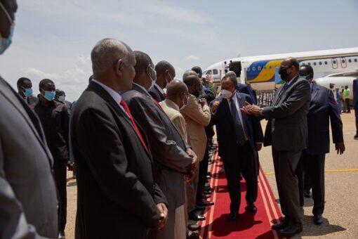 حمدوك يصل جوبا في زيارة تستغرق ثلاثة أيام