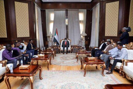 التعايشي يلتقي وفد قوى الحرية والتغيير بشرق دارفور