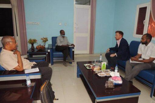 أمين مجلس البيئةيبحث مع مسؤول بريطاني مشاركة السودان فى قمةالمناخ