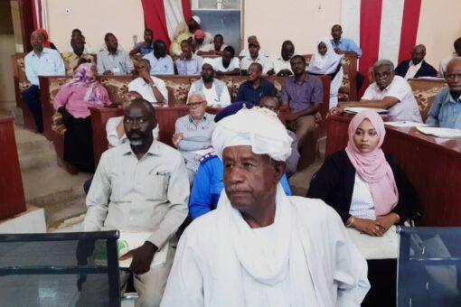 الكنين يدعو المشاركين في ورشة نظام الحكم لإستصحاب قضايا المواطن
