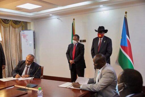 السودان وجنوب السودان يوقعان على مسودة تطوير التعاون النفطي