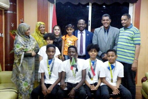 وزير الشباب والرياضة يستقبل أبطال السودان للتزلج