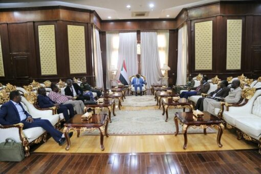 التعايشي يرأس إجتماع لجنة تقصي الحقائق واستتباب الأمن بمنطقة كولقي