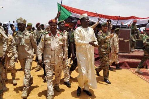 مناوي يعلن عن تشكيل قوة امنيه مشتركة لحسم التفلتات بالاقليم
