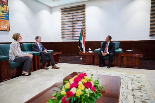 د.حمدوك يلتقي سفير كندا لدي السودان بمناسبة انتهاء فترة عمله