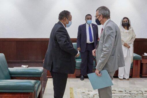 حمدوك يبحث مع رئيس (يونتامس) دعم الأمم المتحدة لعمليات السلام