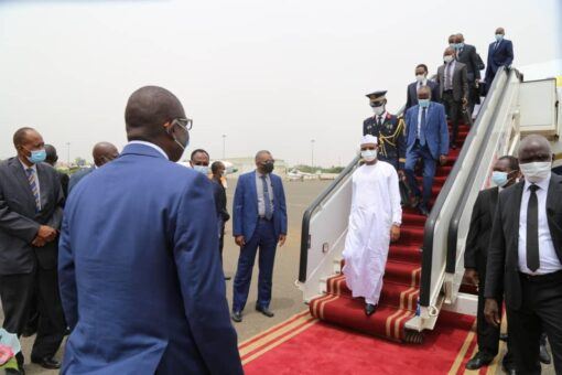 رئيس المجلس العسكري الإنتقالي التشادي يصل الخرطوم