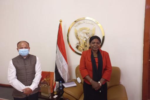 وزيرة الحكم الاتحادي والسفير الهندي يبحثان التعاون بين البلدين