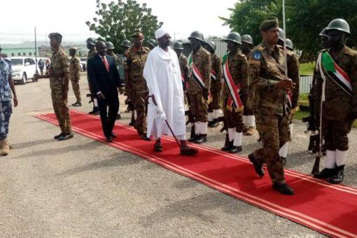 وزير الشؤون الدينية والأوقاف يصل وسط دارفور