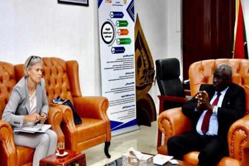 وزير التنمية الاجتماعيّة يبحث تعزيز التنسيق مع برنامج الغذاء العالميّ